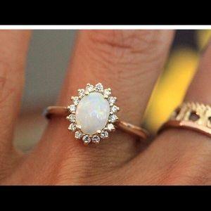 Gold 14k gold opal & diamond halo ring